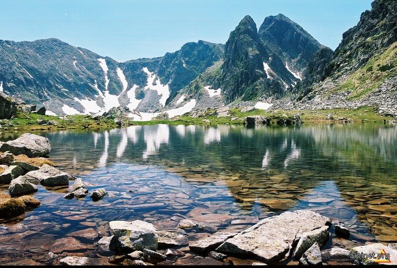 Lacul Tăul Porții Munții Retezat